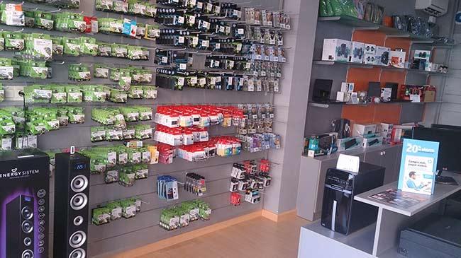 Nueva tienda de informática en Granada CentroMiPc-Pinos Puente